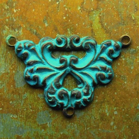 Victorian Scroll Connector Charm - Aged Verdigris Brass Pendant - 1