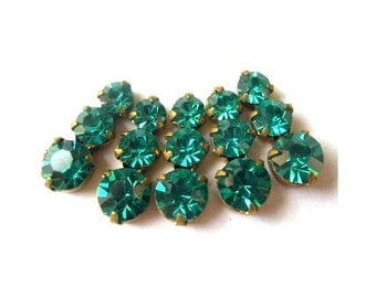5 Swarovski vintage jewelry findings 3 rhinestone crystals in brass setting, unique green
