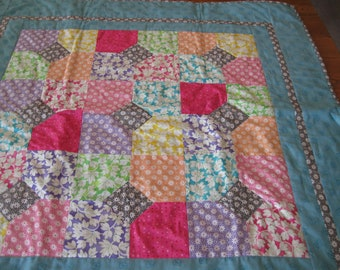 "The Gray Diamond in the Middle Crib Quilt 38"" square"