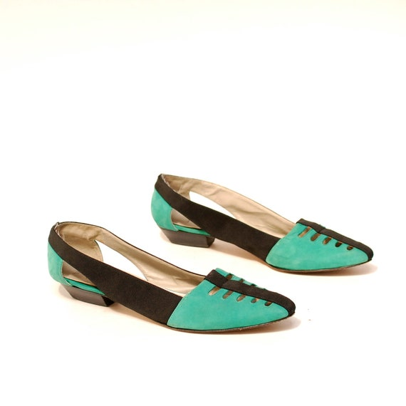 size 9 COLORBLOCK turquoise leather 80s CUT OUT black slip on flats
