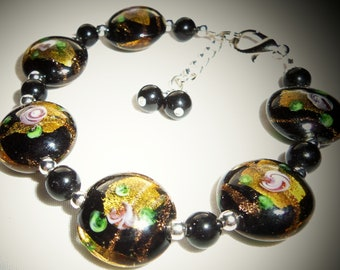 Lovely Black , Gold & Roses Lampwork Beads Bracelet
