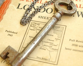Skeleton Key Necklace., Genuine 1920's Hardware Antique Pendant Necklace