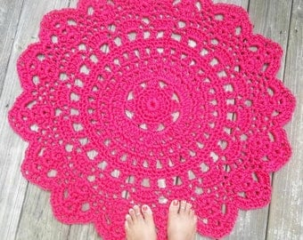 "Raspberry Pink Outdoor Cord Crochet Rug in 35"" Round Pineapple Pattern"