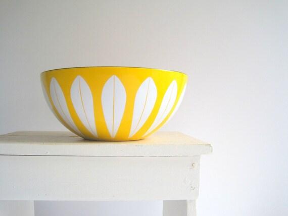 """Vintage CathrineHolm Yellow Lotus Bowl 11"""" Large"""