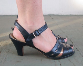 size 7, vintage 1960s MOD Dark Navy Blue Peep Toe, Slingback Shoes - summer sandals, pumps, kitten heels, MOD cutouts