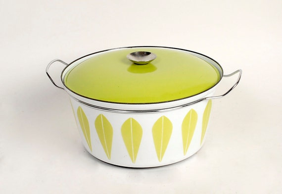 SALE Vintage 60s CATHRINEHOLM Dutch Oven Pot Lotus Pattern Lime Green  White 7 Quart