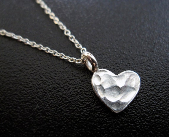 Tiny Silver Heart Necklace / Hammered Silver Heart Necklace / Small Deicate Everyday Jewelry