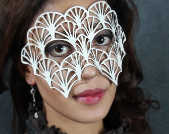 SALE! Fan leather mask in white