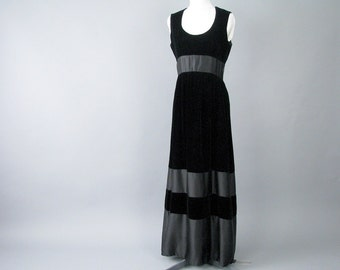 Vintage 1960's Black Velvet Party Prom Dress Formal, Modern Size 8, Small