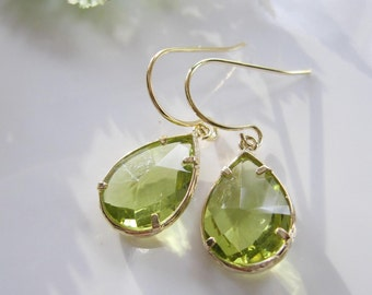 Peridot Green Earrings, Apple Green Earrings, Green and Gold Earrings, St. Patricks Day, Bridesmaid Earrings, Wedding Jewelry