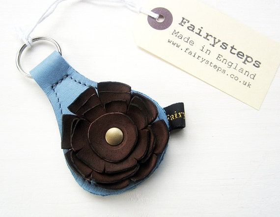 Handmade leather Key Fob, Key ring, Sky blue, Coffee leather, RAGGLEBLOOM by Fairysteps
