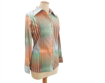 Colorful Vintage 1970s Blouse Stretch Knit Op Art Abstract Print Long Sleeve Peach Pink Green Blue Pointy Butterfly Collar Blouse size Large
