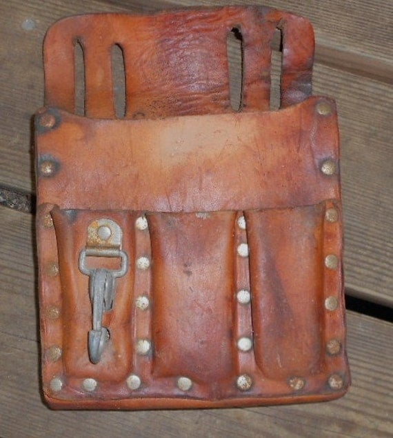 LEATHER TOOL BELT, utility pouch, vintage, fanny pack, rustic primitive bag, great patina