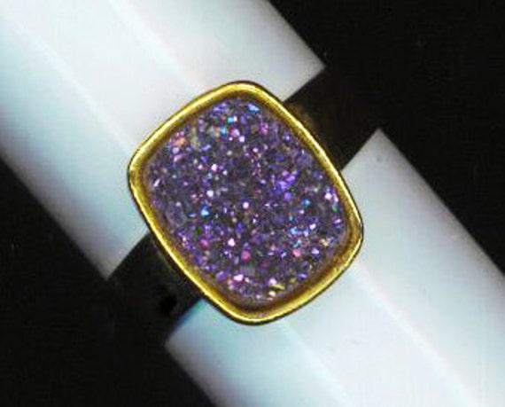 glittery sparkle druzy quartz gemstone mineral rock