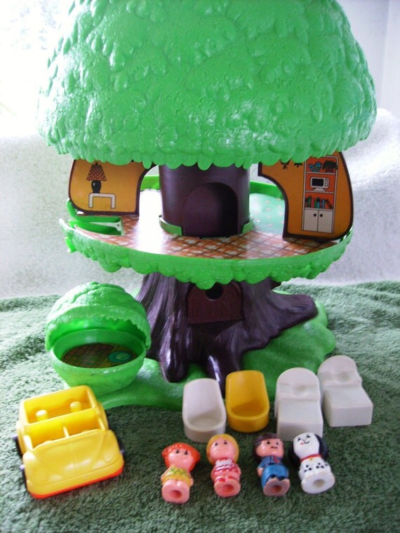 1975 Kenner Tree Tots Tree House Mom Dad Daughter Dog