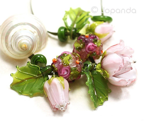 Lampwork by JOPANDA  Roses Rosé Romantic Necklace