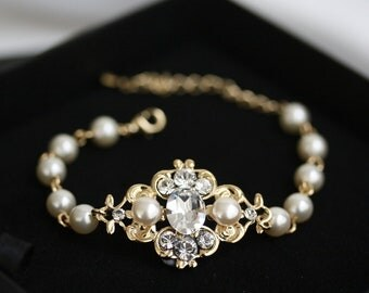 Gold Bridal Bracelet Swarovski Pearl and crystals Ivory pearl bracelet White Pearl Vintage style Bracelet, Wedding Jewelry LEILA