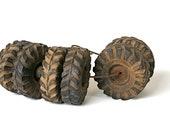 Round and Round - Vintage Wyandotte Tires - Vintage Tires - Vintage Truck Tires