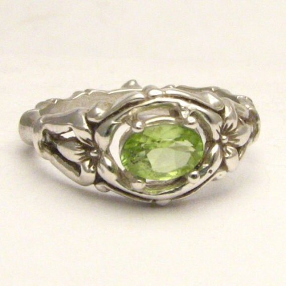Handmade Sterling Silver Green Peridot Bone Gemstone Ring