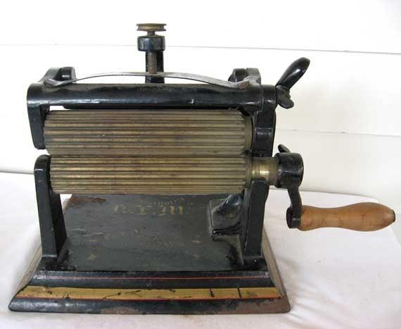paper crimper machine