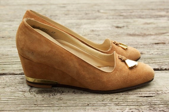 1950s Camel Suede and Gold Wedge Heels Size 5M