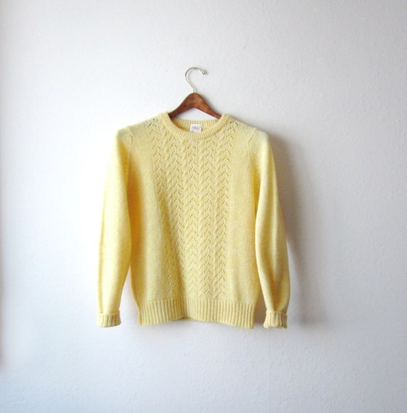 NOS 1970s Pale Yellow Round Neck Sweater Size Small