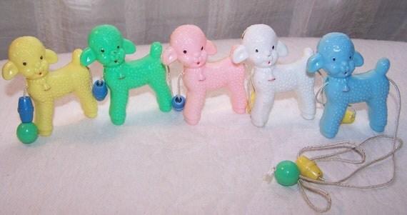 Vintage Baby Lambs Crib Toy 5 Little Lambs