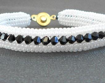 black/white beaded bracelet