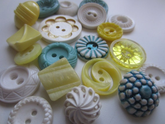Vintage Buttons - Cottage chic mix of turquois, yelllow and white, old and sweet- 20 total (3228)
