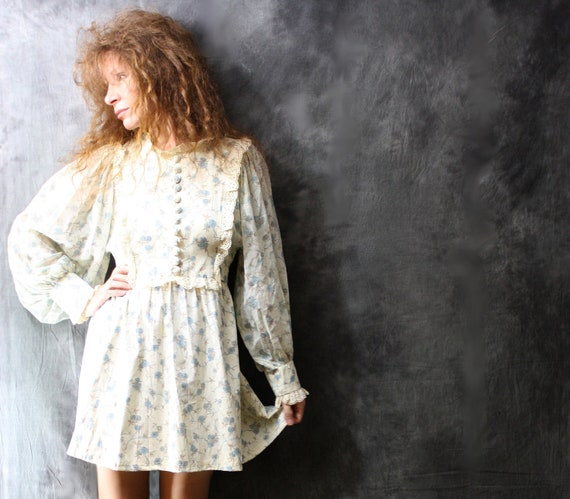 Vintage 1970s Sweet Floral Baby Doll Dress Prairie Style with Eyelet Lace, Sheer Balloon Sleeves