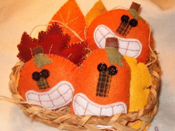 Prim Pumpkin Ornies, Bowl Fillers