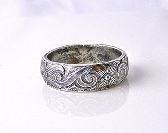 Four Petals Antiqued Sterling Silver Fused 5MM wide Pattern wire ring size 10.25