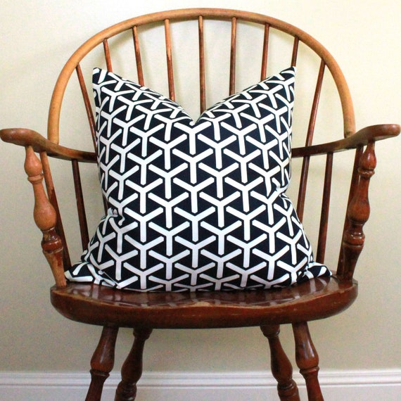 "20"" Geometric Pillow Cover in Deep Navy"