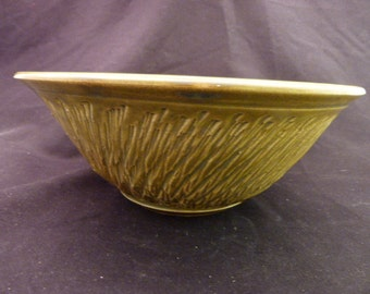 WheelWorksPottery - Serving Bowl - Chattered Wings