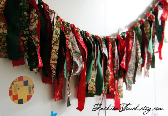 SALE 20%OFF Christmas Banner, Green and Red Fabric Garland Banner, Fringe Garland,  Photo Prop or Decor