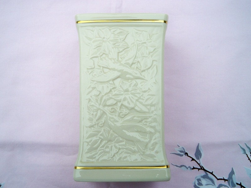 Vintage Lenox China Hummingbird Vase 24k Gold Trim Mwt