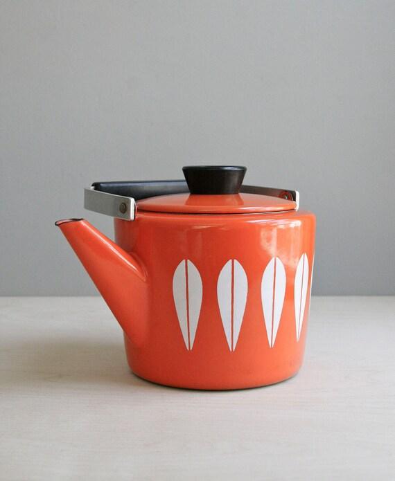 cathrine holm tea kettle / mid century orange lotus