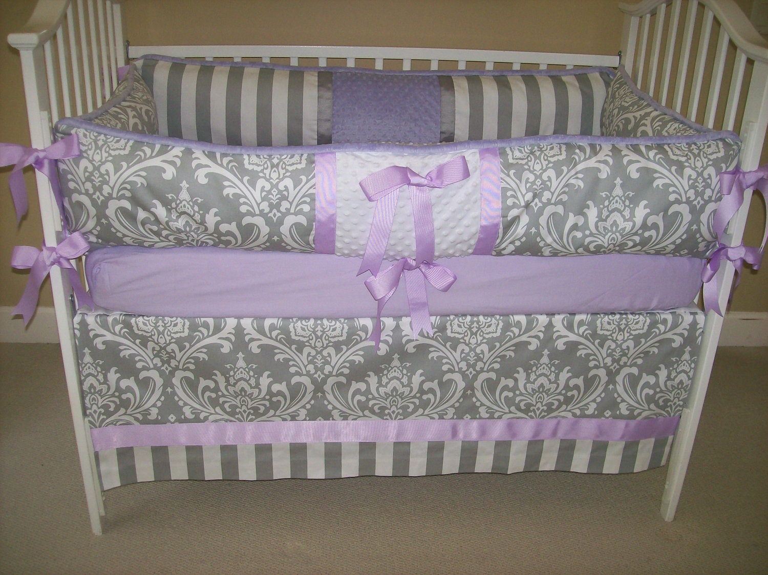 Light purple and grey bedding -  Zoom