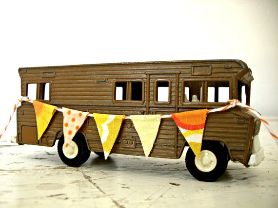 Vintage CAMPER Toy, By Tootsie Toy, Recreational Vehicle, Groovy 1970, With A HandMade FabRic Bunting BanneR