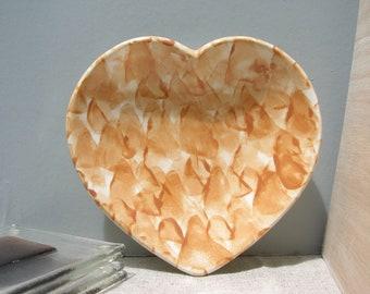 Sponge Ware Heart Dish