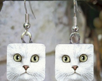 Cat 476 white Persian Art Glass Earrings from painting by L.Dumas