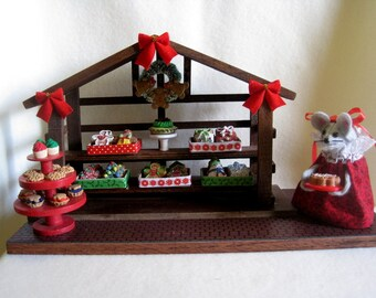 Felt Mouse in a Christmas Bakery Stall   Discontinued Low price