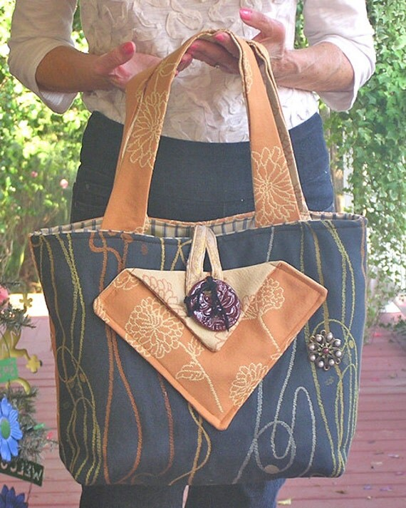 Priscillas Passion - A Tapestry Bag