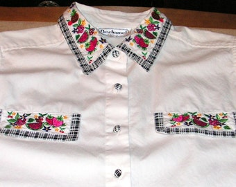 Vintage Shirt - Cotton Top - Sleeveless Blouse-  Embroidered Fruit Flowers - Gingham Trim - Bechamel