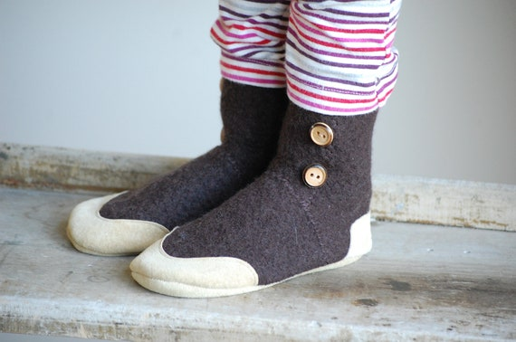 Children Wool Slippers, Eco Friendly and Handmade, size 9.5, Rhythm in My Hands, SALE