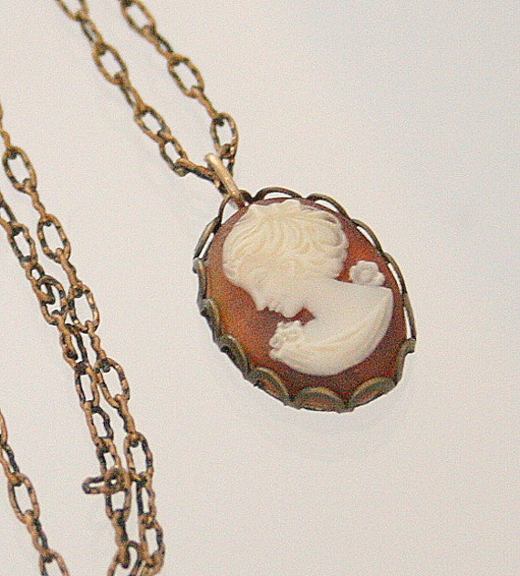 Vintage Cameo Necklace Amber Pendant Carved Shell Scalloped Antiqued