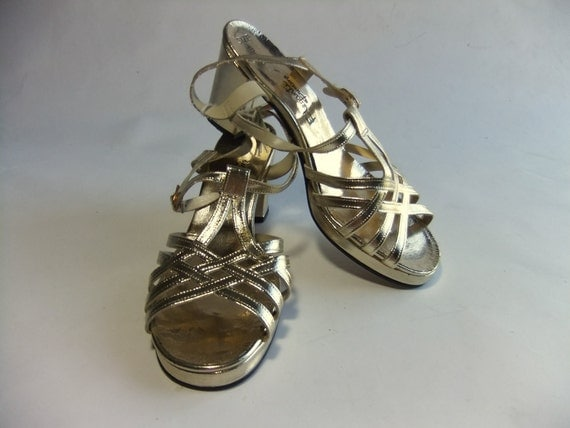 Vintage 1970s Shoes // The Stayin Alive NOS Metallic Gold Disco Glam Sandals Size 9 M