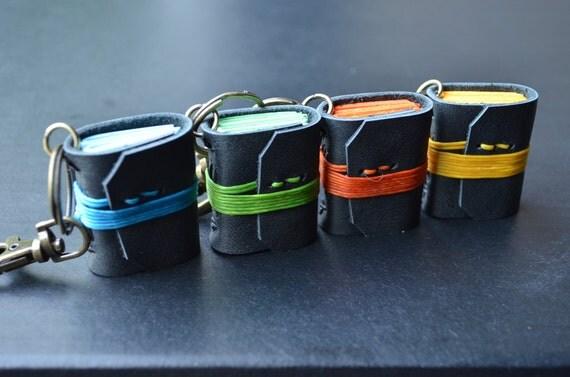 4MiNiBooks keychain Bright color