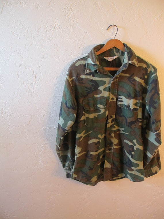 Vintage Green Camouflage Flannel Longsleeve Button Up Shirt Mens Size M