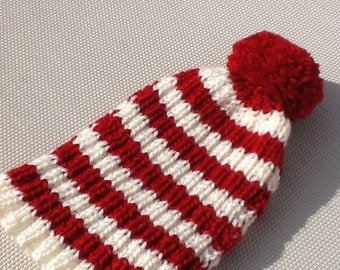Traditional English Tea Cosy  with bobble - 4 cup pot - red and cream